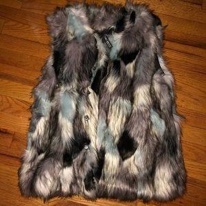 Design Lab fur vest
